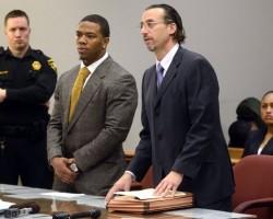 Ray Rice en la corte
