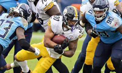 James Conner consiguió más de 100 yardas de scrimmage por cuarta ocasión en el 2020 para que estén los Steelers invictos