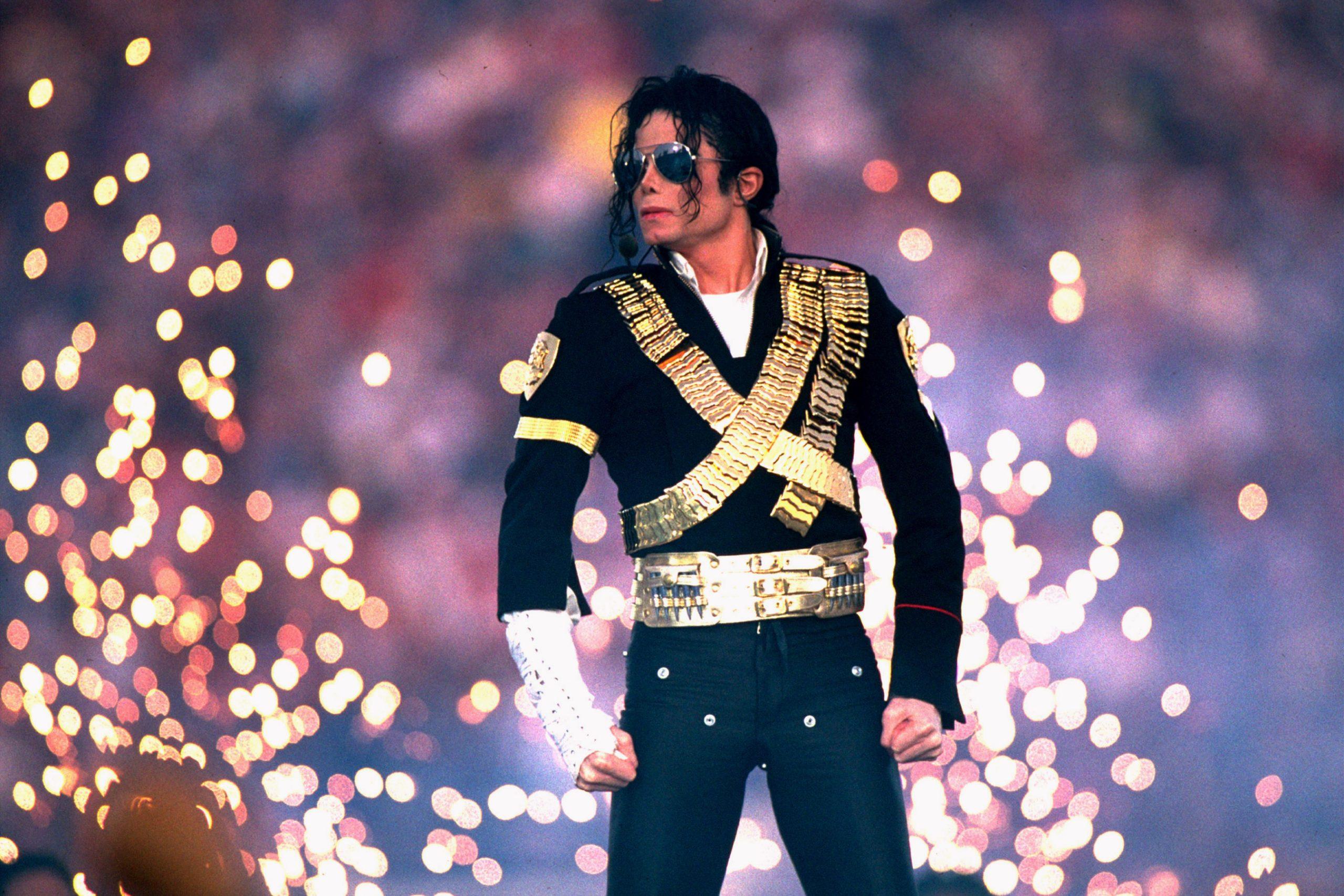 Michael Jackson Performs At Super Bowl XXVII Halftime Show – January 31, 1993